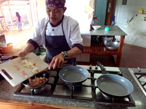 goldy_kalachuchi_kitchen-min
